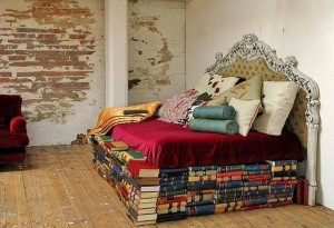 Книга под подушкой учиться во сне не поможет!