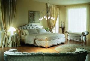 Обстановка спальни должна быть уютной