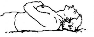 Положение шеи и головы у человека, спящего на спине без подушки