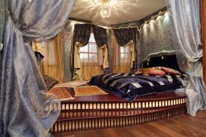 Удобная кровать для сна времен Венецианского Средневековья